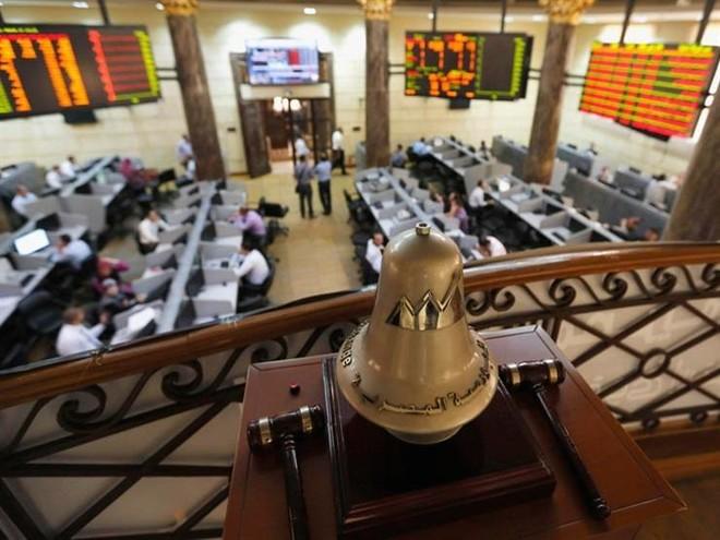 البورصة المصرية تربح 4.1 مليار جنيه مدعومة بعمليات شراء من قبل المؤسسات وصناديق الاستثمار