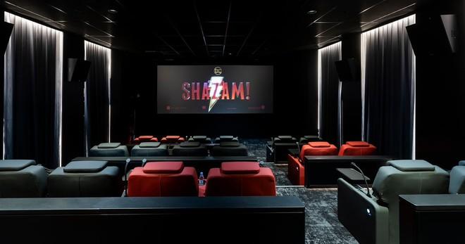 فوكس سينما تفتتح أفخم سينما في الشرق الاوسط في برج المملكة