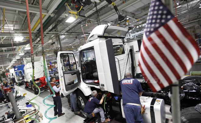 نشاط المصانع في أمريكا ينمو بأبطأ وتيرة في حوالي ثلاثة أعوام