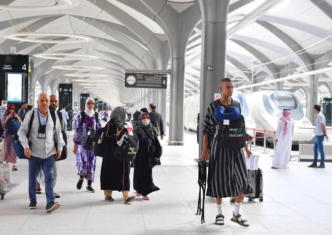 قطار الحرمين السريع ينجح في نقل الحجاج بين مكة والمدينة للمرة الأولى خلال حج 1440