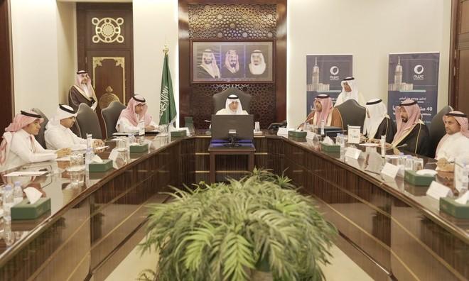 أمير مكة يدشن ويضع حجر الأساس لـ 40 مشروعا للمياه والصرف الصحي بقيمة 1.9 مل