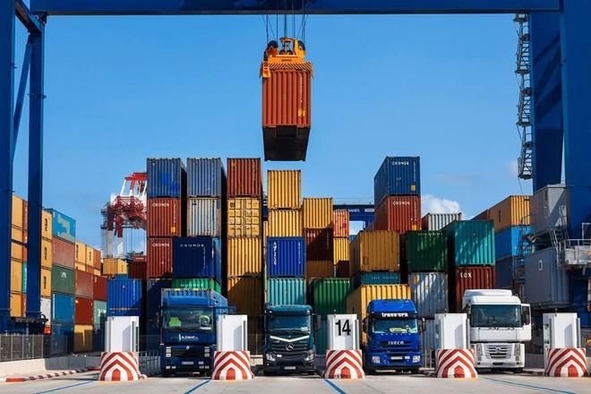 بريطانيا تخطر «منظمة التجارة»: لا رسوم إضافية على السلع الأوروبية خلال الفترة الانتقالية