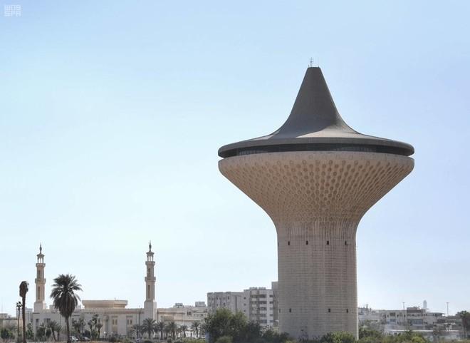 برج خزام تحت سقفه كانت أول اتفاقية للتنقيب عن النفط صحيفة الاقتصادية