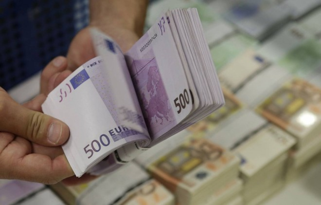 بعد تراجع استمر 3 أشهر.. بيانات فرنسية تصعد باليورو فوق 1.13 دولار