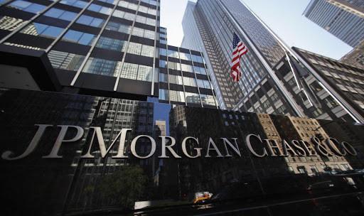 جيه.بي مورجان يجنب 10.5 مليار دولار لخسائر القروض مع تجاوز الربح التوقعات