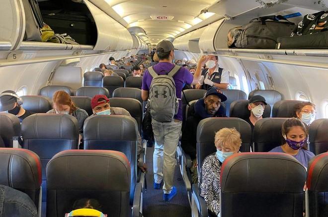 شركات الطيران: طائراتنا أكثر أمانا من القطارات والمطاعم