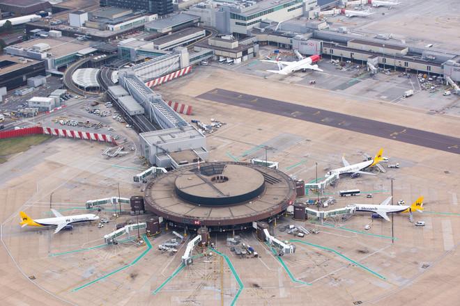 مطار جاتويك في لندن يعتزم شطب 600 وظيفة