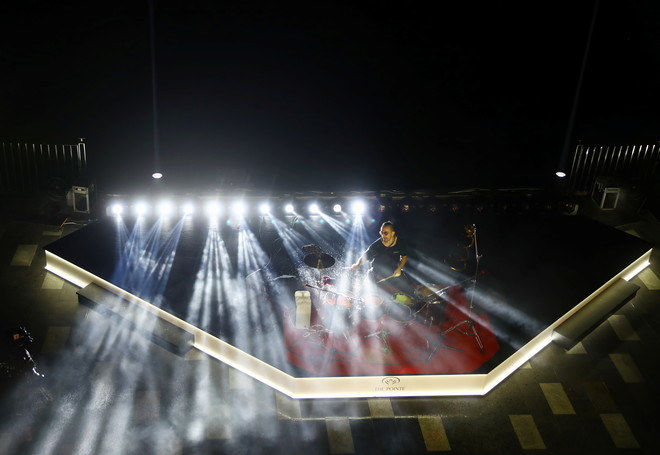 دبي.. افتتاح أكبر نافورة بالعالم