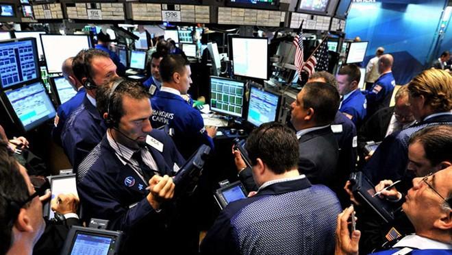 الأسهم الأمريكية تغلق مرتفعة بفضل تجدد آمال التحفيز المالي
