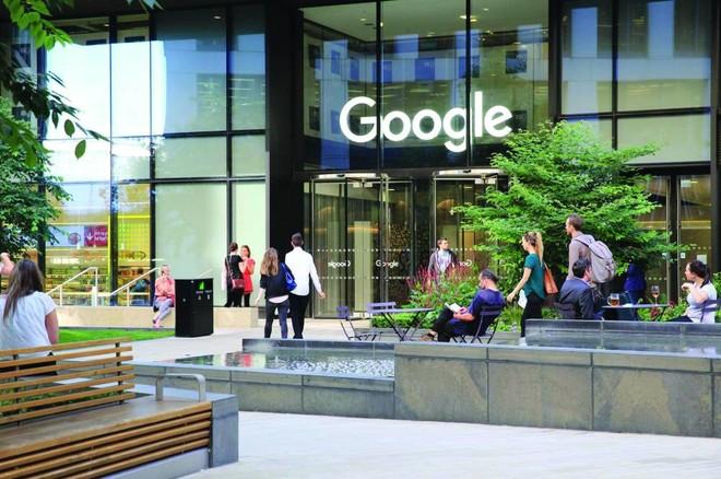 اتهامات تلاحق «جوجل» بانتهاك قوانين المنافسة وجمع بيانات المستخدمين