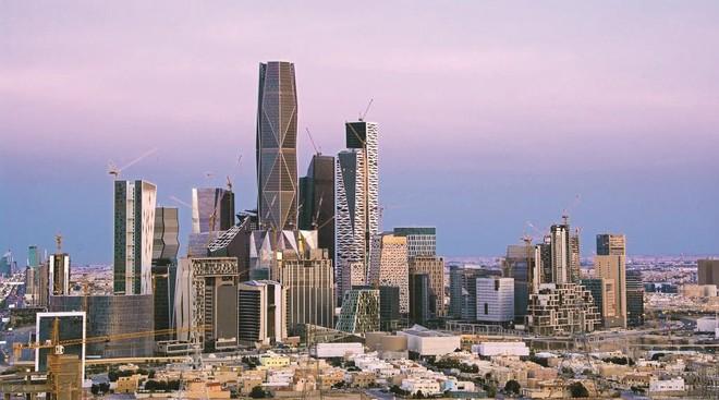 دراسة يابانية: الرؤية السعودية تمضي نحو الهدف .. تريليون ريال إيرادات غير نفطية بحلول 2030