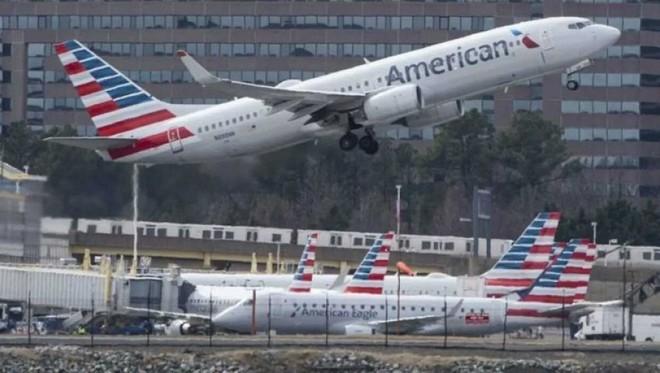 شركات طيران أمريكية تحذر من تباطؤ الطلب على السفر قبل موسم العطلات