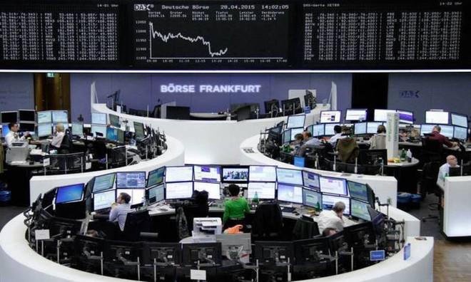 الأسهم الأوروبية تتلقى الدعم من مكاسب قطاعي التجزئة والنفط