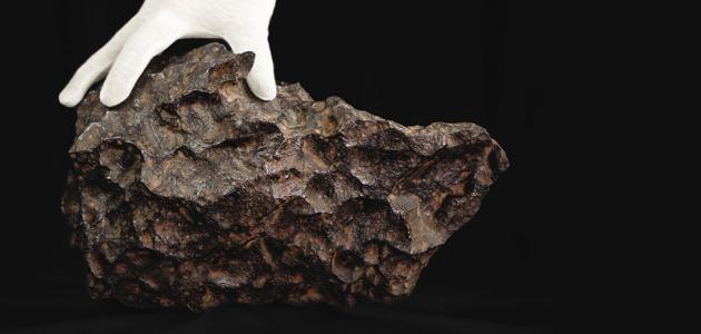 إندونيسي يشكو من الغش.. باع حجر نيزك يساوي 1.8 مليون دولار مقابل 14 ألف دولار