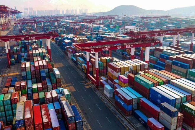 منظمة التجارة تحذر من تباطؤ مع استنزاف الطلب المكبوت وإعادة تكوين المخزونات