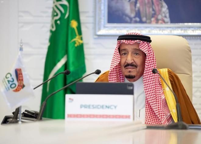 الملك سلمان: على قادة العشرين العمل على إتاحة وصول عادل للقاحات كورونا