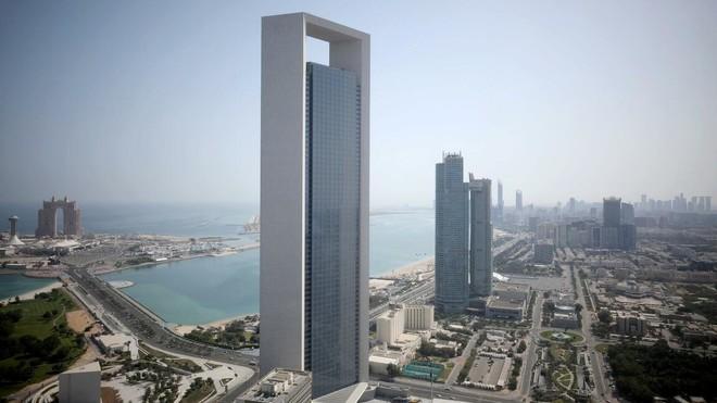 """أبوظبي تعتمد خطة """"أدنوك"""" لاستثمارات رأسمالية 122 مليار دولار بين 2021-2025"""
