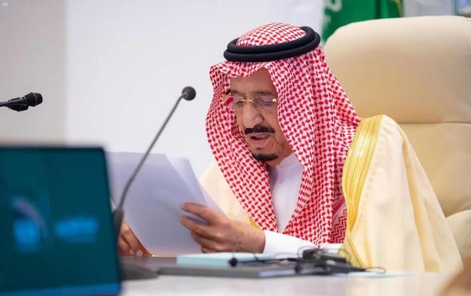 الملك : يجب تهيئة الظروف لاقتصاد قوي  ومتوازن  عبر تمكين الإنسان