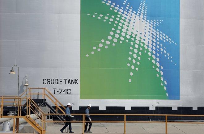 النفط يصعد 12 % منذ الخفض السعودي متجاوزا 57 دولارا .. أعلى سعر منذ 21 فبراير 1578876-1378811256.jpg?itok=NFHnuTR8