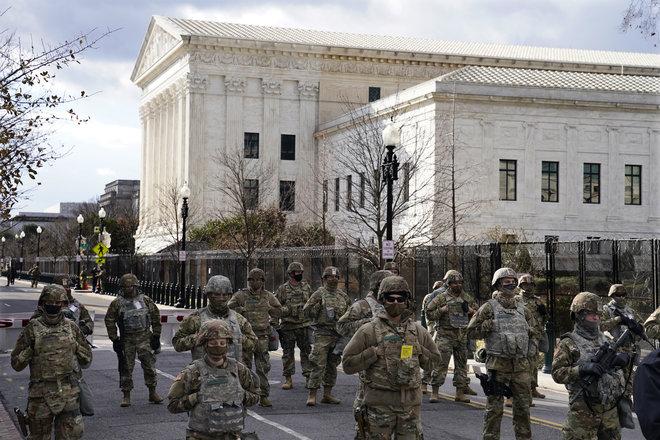 بايدن يصل إلى مبنى الكونجرس لأداء القسم كرئيس للولايات المتحدة