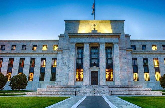 المركزي الأمريكي يبقي سعر الفائدة قريبا من الصفر