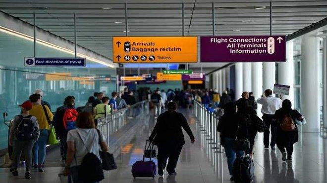 نحو مليون عمال أجانبي غادروا بريطانيا في 2020