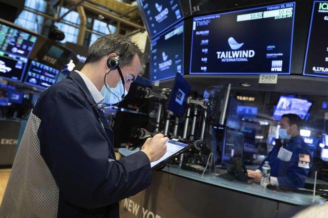 تراجع  مؤشرات الأسواق الأمريكية مع تأثر أسهم التكنولوجيا بالتقييمات