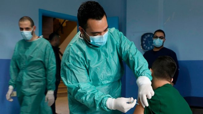 إيطاليا تعلن خطة لتطعيم 80٪ على الأقل من السكان ضد كورونا بحلول سبتمبر