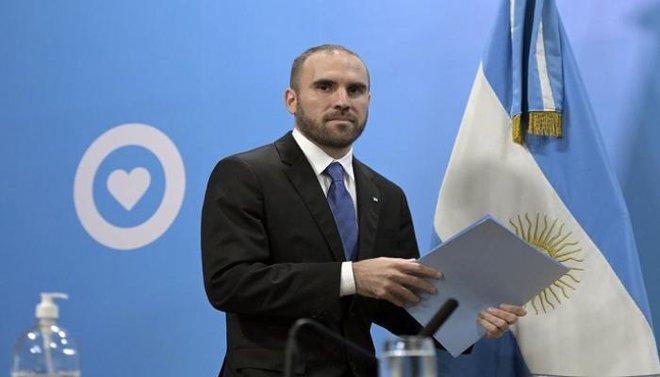 وزير الاقتصاد الأرجنتيني يجري جولة أوروبية لحشد الدعم بشأن ديون بلاده