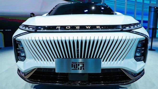 شركات صينية تتحدي هيمنة تسلا على سوق السيارات الكهربائية