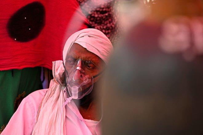 """أكبر أزمة كورونا يشهدها العالم تهدد قبضة """"مودي"""" على الهند"""