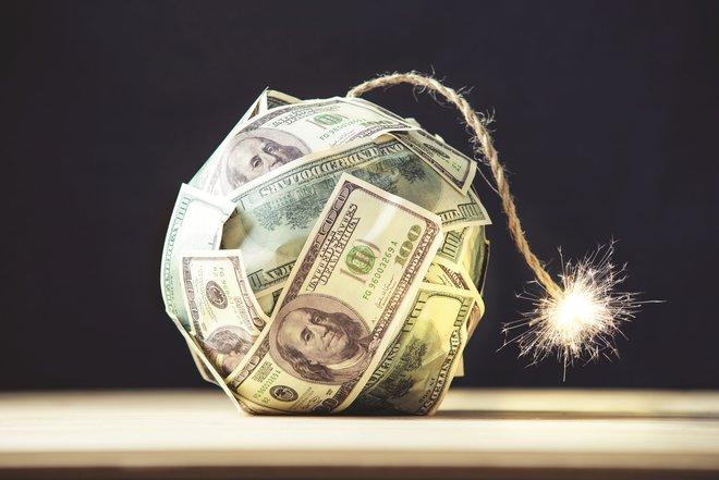 التمويل التركيبي .. مخاطر خفية شديدة الانفجار