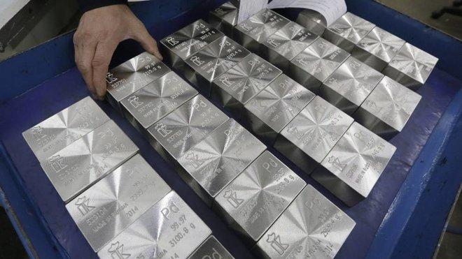 البلاديوم يتجاوز 3000 دولار لأول مرة في التاريخ