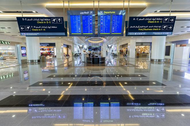 عُمان تمنع دخول الأجانب غير المقيمين من 8 أبريل