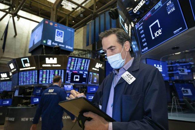 تباين أداء مؤشرات الأسهم الأمريكية .. وتصيد المستثمرين الصفقات يرفع «اليابانية»