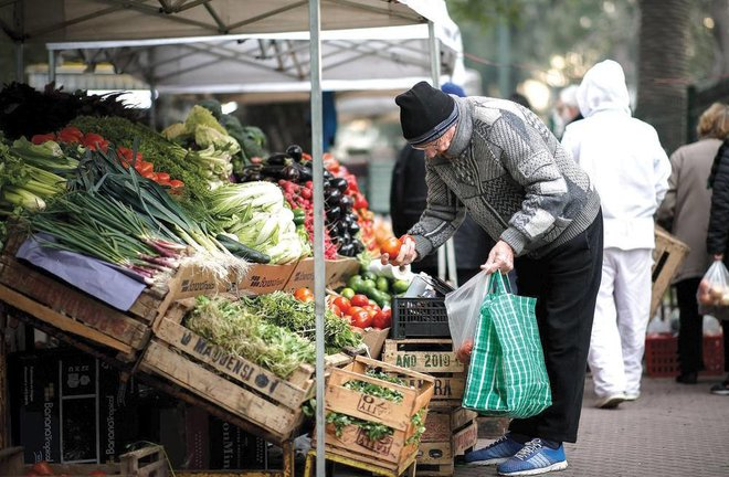 الأرجنتين تعجز عن تحقيق استراتيجية كبح جماح التضخم .. الأسعار ترتفع 46.3 %
