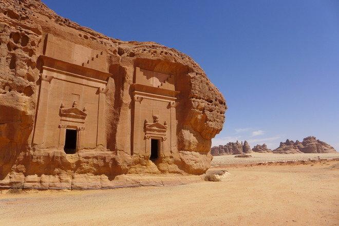 رئيس هيئة السياحة : السعودية تفتح الباب لاستقبال السياح الأجانب قريبا