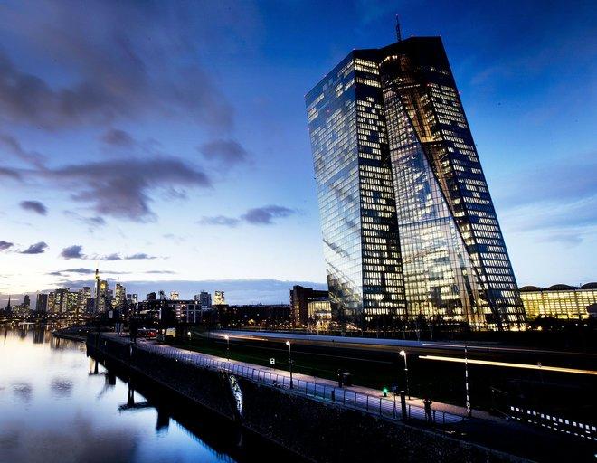 هل دخل اقتصاد منطقة اليورو حالة ركود في الربع الأول؟