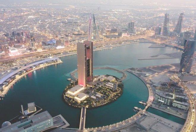 البحرين : إحالة المركزي الإيراني و 12 بنكا غسلوا 1.3 مليار دولار إلى المحاكمة الجنائية