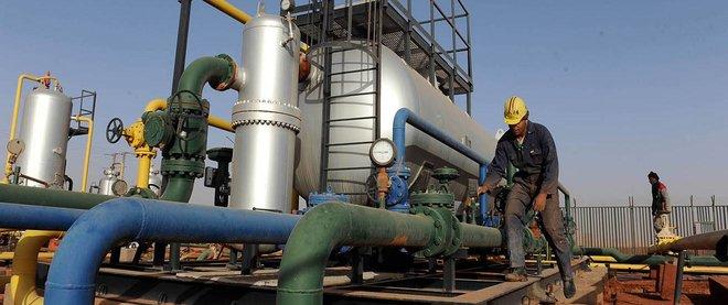 مجموعات النفط الكبرى تعود لتسجيل الأرباح بعد خسائر هائلة في 2020
