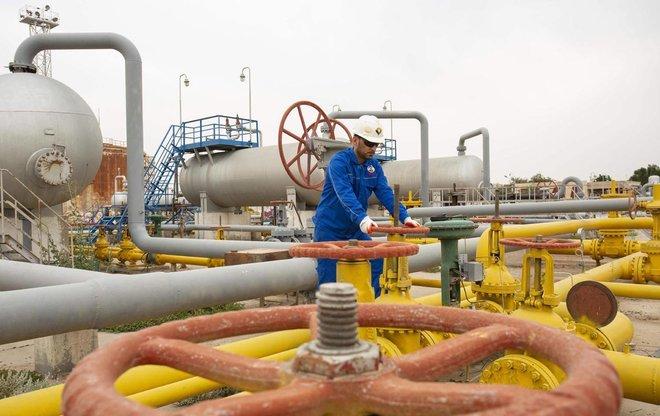 العراق: لانتوقع أن تهبط أسعار النفط عن 65 دولارا للبرميل