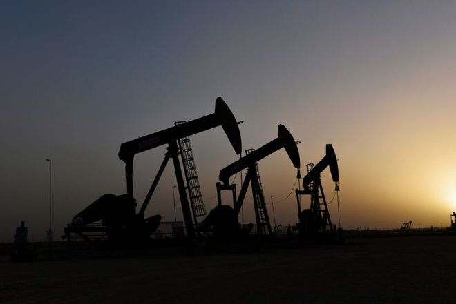 آمال الطلب تدعم النفط قرب 67 دولارا رغم مخاوف الهند