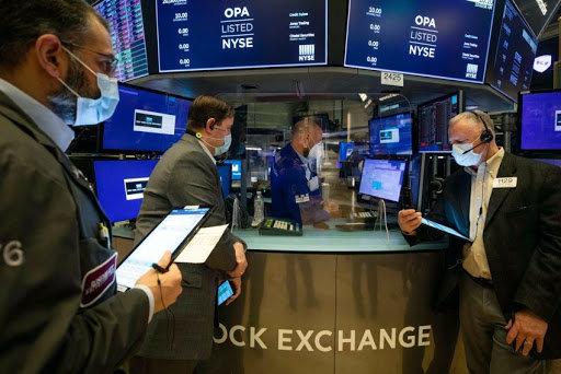 الأسهم الامريكية تستهل تعاملات مايو بمكاسب