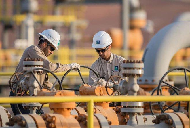 أسعار النفط ترتفع مدعومة بالتفاؤل بشأن تعافي الاقتصاد