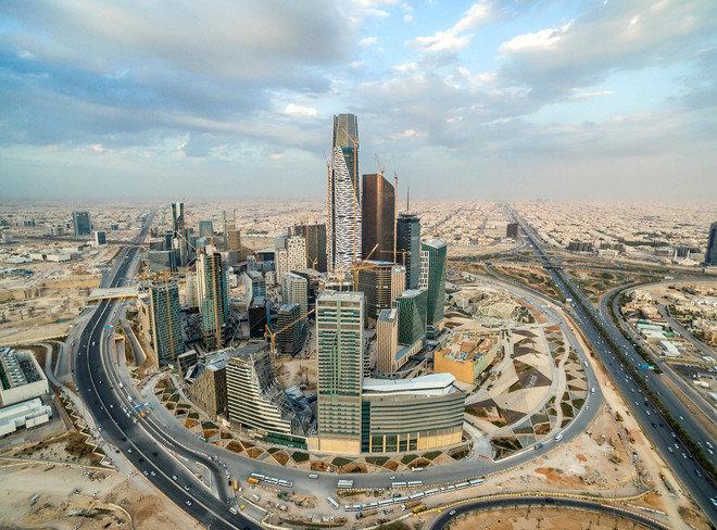 كيف مولت السعودية عجز الميزانية في الربع الأول 2021؟