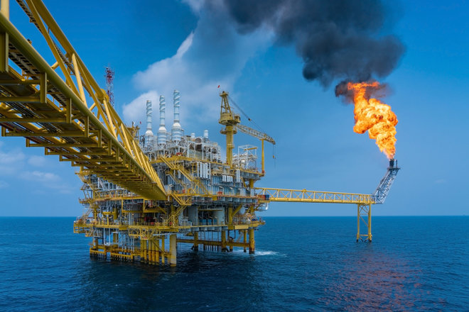 معهد البترول: هبوط حاد في مخزونات النفط والوقود في أمريكا