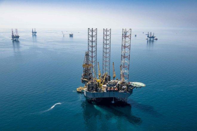 """أسعار النفط ترتفع وخام """"برنت"""" يقفز فوق 70 دولارا"""