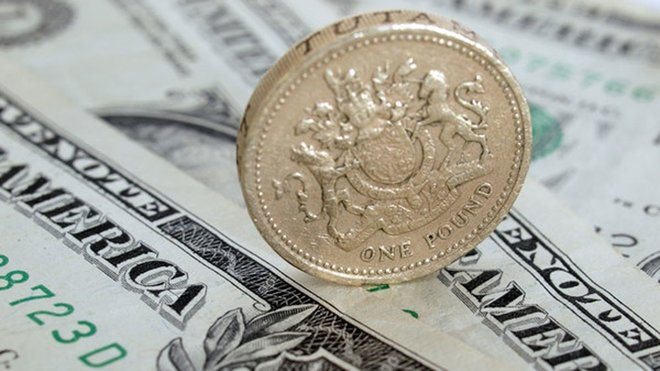 الدولار يهبط والإسترليني أعلى مستوى في 3 أعوام خلال التعاملات الآسيوية
