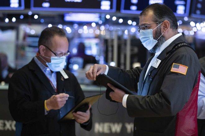 الأسهم الأمريكية تصعد متجاهلة قفزة أسعار المستهلكين وضغوط سوق العمل