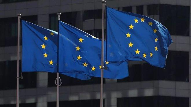 الاتحاد الأوروبي يخفف قيود السفر عبر الحدود خلال الصيف